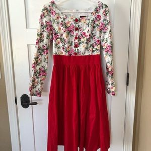 Vintage Style Floral Dress with Full Skirt Size M